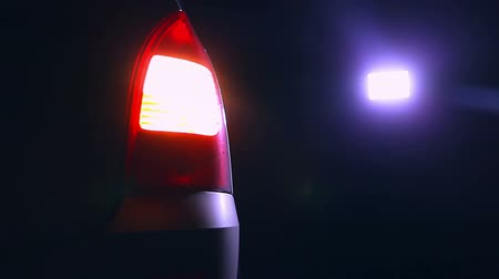 sinais : night car blinker light turn a beautiful city highlight road safety