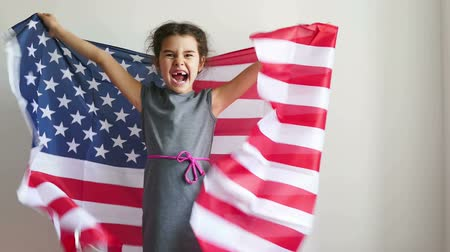 четверть : Girl and USA American Flag