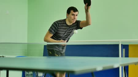 подача : man  feed serve playing athlete table tennis video sport  slow motion Стоковые видеозаписи