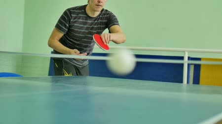 подача : man  feed serve playing athlete sport table tennis slow motion video Стоковые видеозаписи