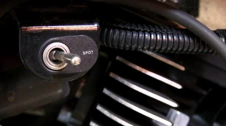ergonomic : Starting toggle switch on the motorcycle engine