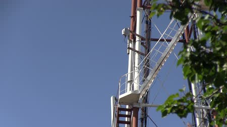 vysílač : Telecommunication GSM (5G, 4G, 3G) microwave tower