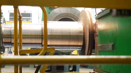 inoxidável : Steel blank for fabricating steam turbine of power generator at metalworking factory