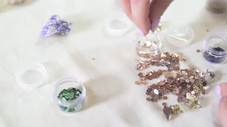 bijuteria : tools for creating jewelry from beads Vídeos