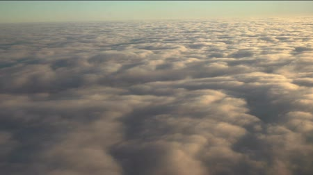 成層圏 : Flying above the clouds. Views from the plane.