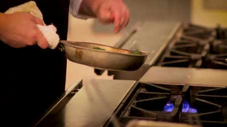 diner : Chef preparing a gourmet dish for dinner at a Seattle resort Stock Footage