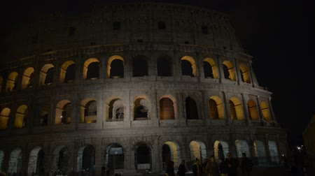 vatikan : Rome: the Colosseum night Stok Video