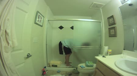gąbka : Bathroom cleaning wide angle timelapse.