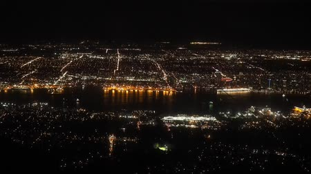 canadense : Vancouver night view from the top of Grouse Mountain Vídeos