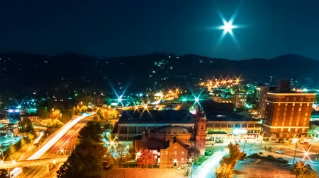 város : Timelapse of the city lights of Asheville, North Carolina at night Stock mozgókép