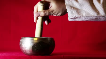 miska : The sound of Tibetan singing bowl