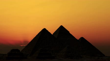 piramit : Timelapse. Sunrise over pyramids. Giza Egypt.
