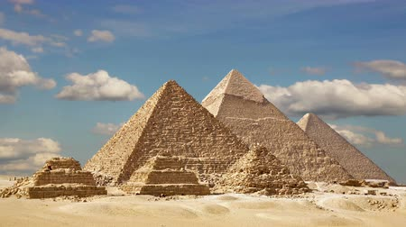 piramit : Timelapse Of The Great Pyramids In Giza Valley, Cairo, Egypt