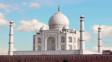 купол : Taj mahal, Agra. India. Time Lapse.