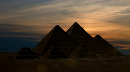 piramit : Timelapse. Sunet over the pyramid of Cheops. Giza Egypt.