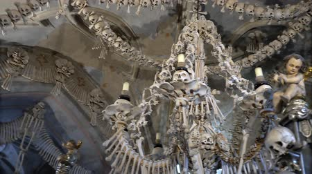 Česká republika : KUTNA HORA, CZECH REPUBLIC - OCTOBER, 2017: Interior of Ossuary, Kostnice, Czech Republic, Kutna Hora. Human skeletons, skulls and bones.