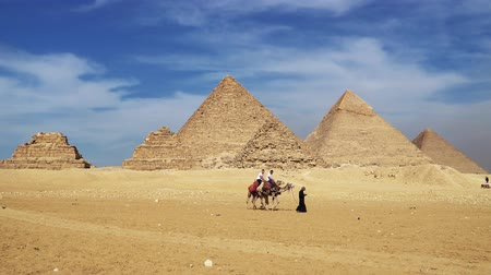 kahire : Cairo, Egypt - January 2020: The Great Pyramids In Giza Valley, Cairo, Egypt