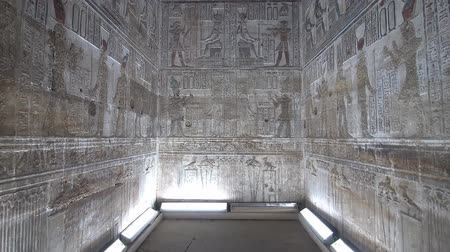 Нил : Interior of Dendera temple or Temple of Hathor. Egypt. Dendera, Denderah, is a small town in Egypt. Dendera Temple complex, one of the best-preserved temple sites from ancient Upper Egypt. Стоковые видеозаписи