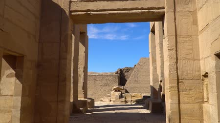 hieroglifa : The Mortuary Temple of Seti I is the memorial temple of the New Kingdom Pharaoh Seti I. It is located in the Theban Necropolis in Upper Egypt, across the River Nile from the modern city of Luxor.