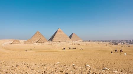 esfinge : Egypt Cairo - Giza. General view of pyramids