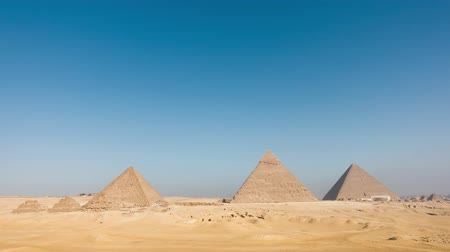 egyiptomi : Egypt Cairo - Giza. General view of pyramids