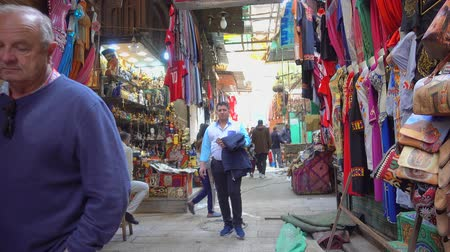 kahire : Cairo, Egypt - Feb 02 2019: Bazzar Shop in the Khan El Khalili market in Islamic Cairo Stok Video