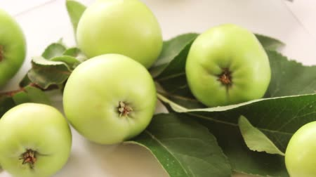 ocet : green apples