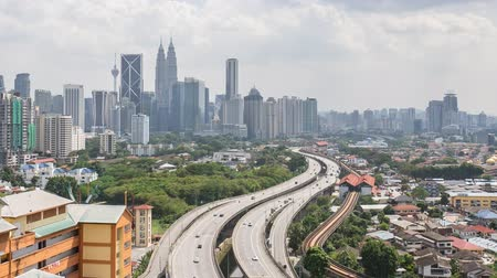 subir : Time lapse footage of road lead to Kuala Lumpur city center. Zoom out Vídeos