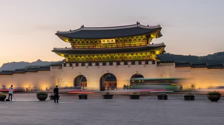 gyeongbok : Beautiful dusk scene of Gwanghwamun Gate at Gyeongbokgung Palace.