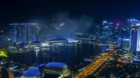 szingapúr : Time lapse of fireworks show at Singapore Marina Bay. Zoom in