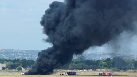 bomba : Fire in airport