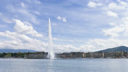d day : 4k Timelapse of Geneva water fountain (Jet d Stock Footage