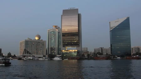 эмираты : Dubai Creek Seen From A Boat, United Arab Emirates