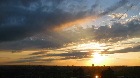 levantar : timelapse with beautiful sunset over town