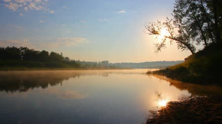 отражать : landscape with sunrise over river