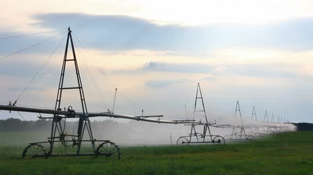 püskürtücü : automatic irrigation of agriculture field