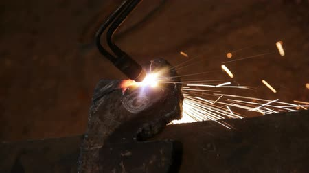 spawanie : metall cutting with gas welding