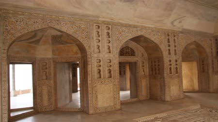 купол : palace interior in Agra fort - India Стоковые видеозаписи