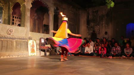 tancerka : Dances of India - view in Udaipur Rajasthan Wideo