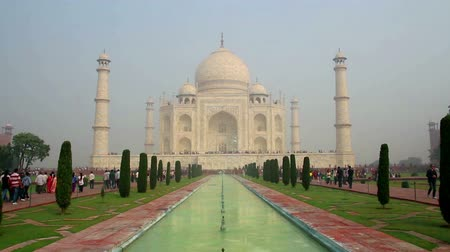 saray : Taj Mahal - famous mausoleum in Agra India