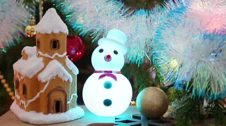 kardan adam : Christmas decoration - house, snowflakes and snowman