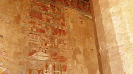 egyiptomi : ancient egypt color images on wall in luxor - pan view 4k