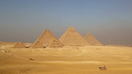 egyiptom : Panorama of great pyramids at Giza Cairo in Egypt