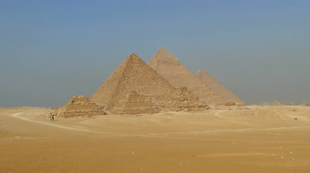 piramit : Great pyramids at Giza Cairo in Egypt