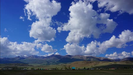 doruk : timelapse landscape with clouds moving over mountains - Altay Russia Stok Video