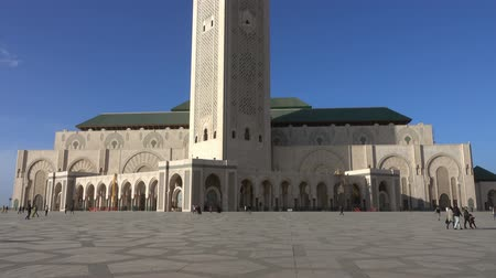 Hassan II mosque in Casablanca, Morocco, tilt view 4k Wideo