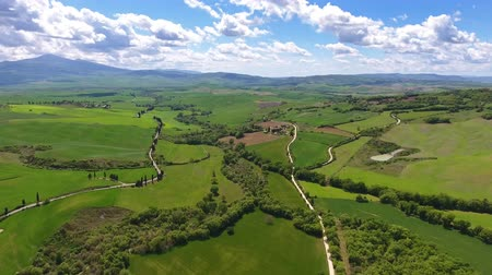 toscana : Tuscany aerial landscape of farmland hill country. Italy, Europe, 4k