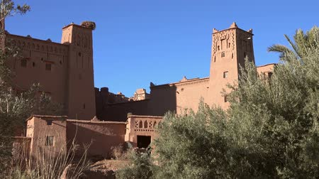 bereber : Towers of Kasbah Ait Ben Haddou at sunset, Morocco, 4k Archivo de Video