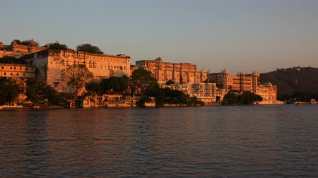 pichola : Palace on the lake in Udaipur, India, day to night timelapse 4k