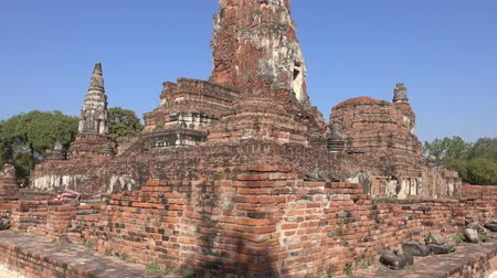 sztúpa : Ancient temple Wat Ratchaburana at Ayuthaya historical park